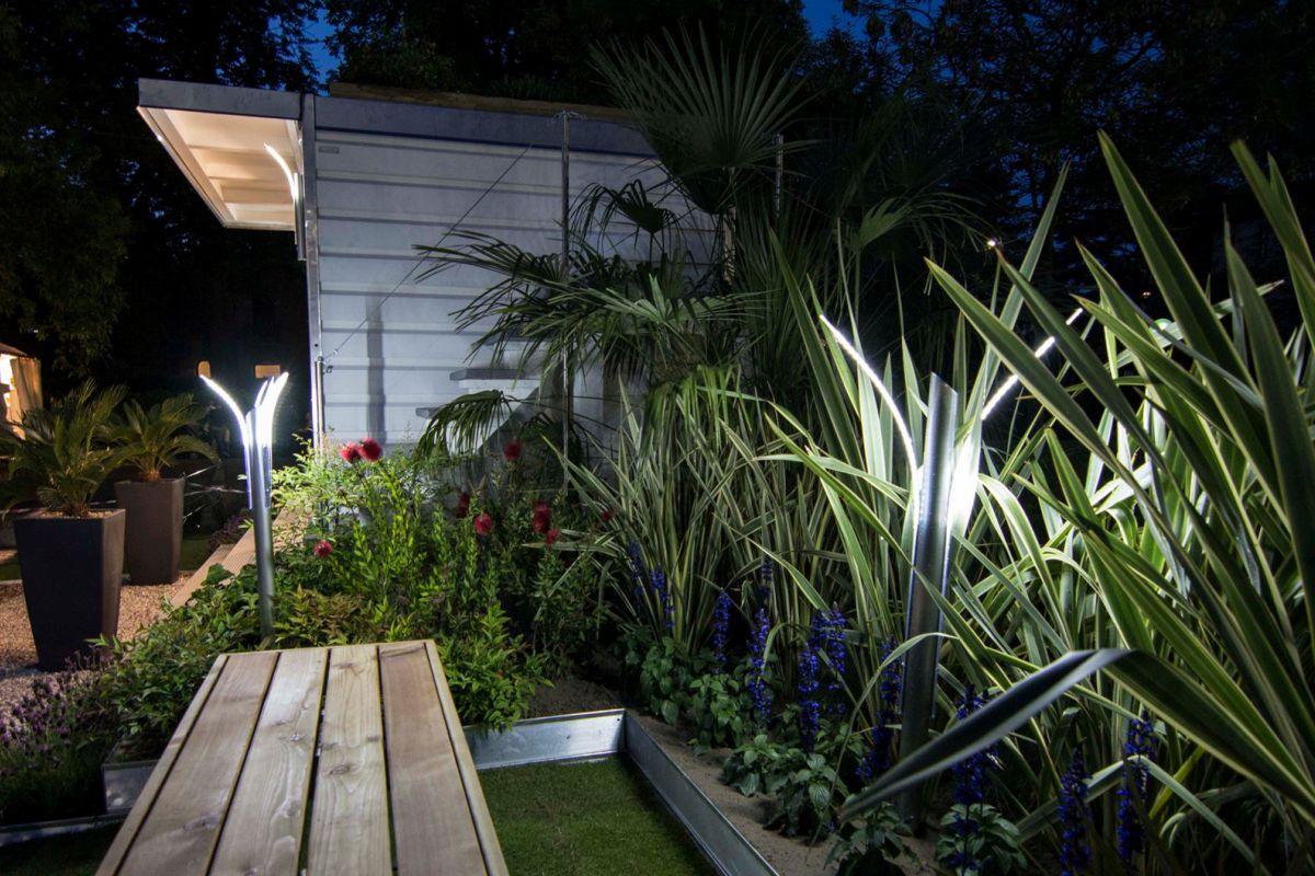 Illuminazione giardini di design con luci a led